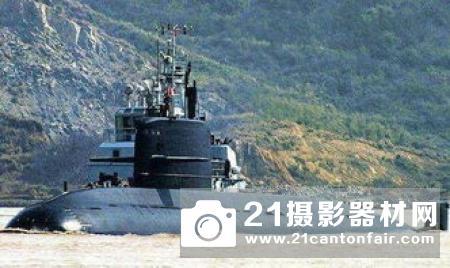 反潜无人机挑战美潜艇